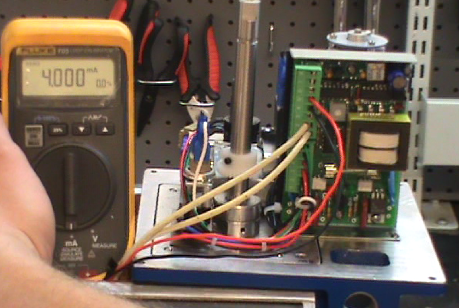 21 Steps to Adjust a Modulating Electric Actuator AC & DC Controls by Indelac Controls