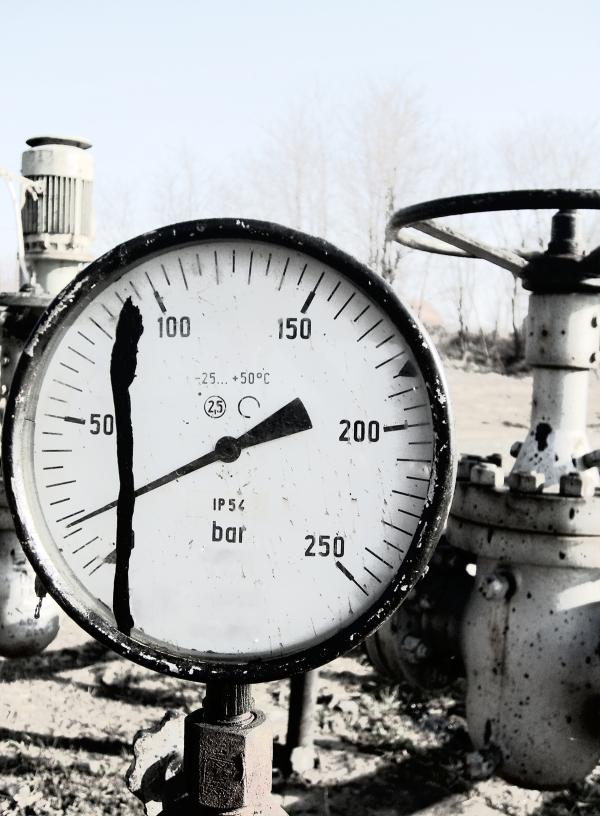 Indelac Actuators Pressure Gauge for Industry Standards resized 600